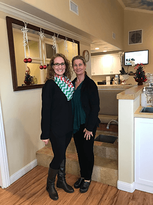 Chiropractor Laguna Beach CA Mingling With Dr Lisa Arthur